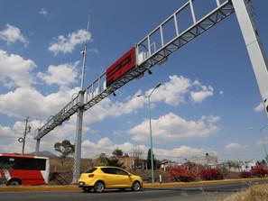 A través de 55 arcos carreteros, se combate el robo de vehículos en Michoacán