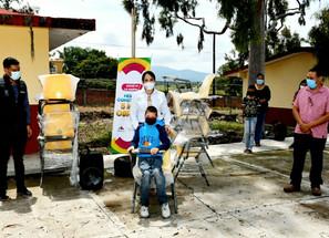 Escuelas de Churintzio cuentan con mobiliario digno