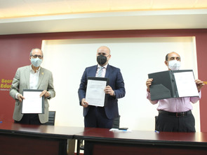 Firman SEE y Cruz Roja convenio para la capacitación de paramédicos y socorristas.