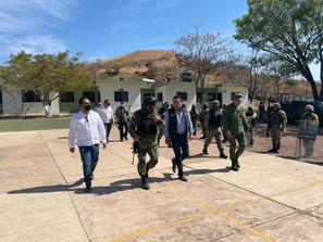 Visita Gobernador, FGE y 43 Región Militar,  Municipio de Aguililla tras hechos violentos