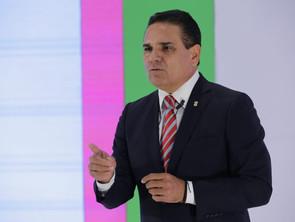 """""""Olvídese de Silvano Aureoles y cúmplale a los maestros"""": Gobernador a AMLO"""