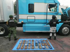 EJÉRCITO MEXICANO ASEGURA COCAÍNA EN CARRETERAS DE MICHOACÁN MÉXICO