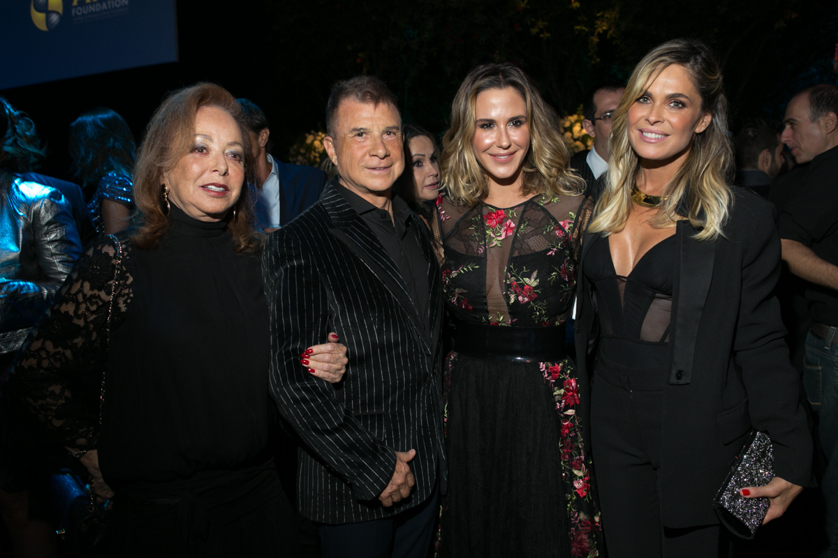 Suely Iodice e Valdemar Iodice e  Guilhermina Guinle  e  Fernanda Barbosa320