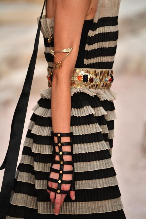 chanel-cruise-collection-2018-bracciale-cage