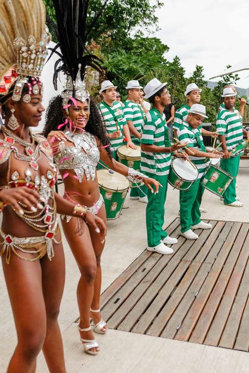 Marca Foxton arma feijoada carnavalesca no Rio