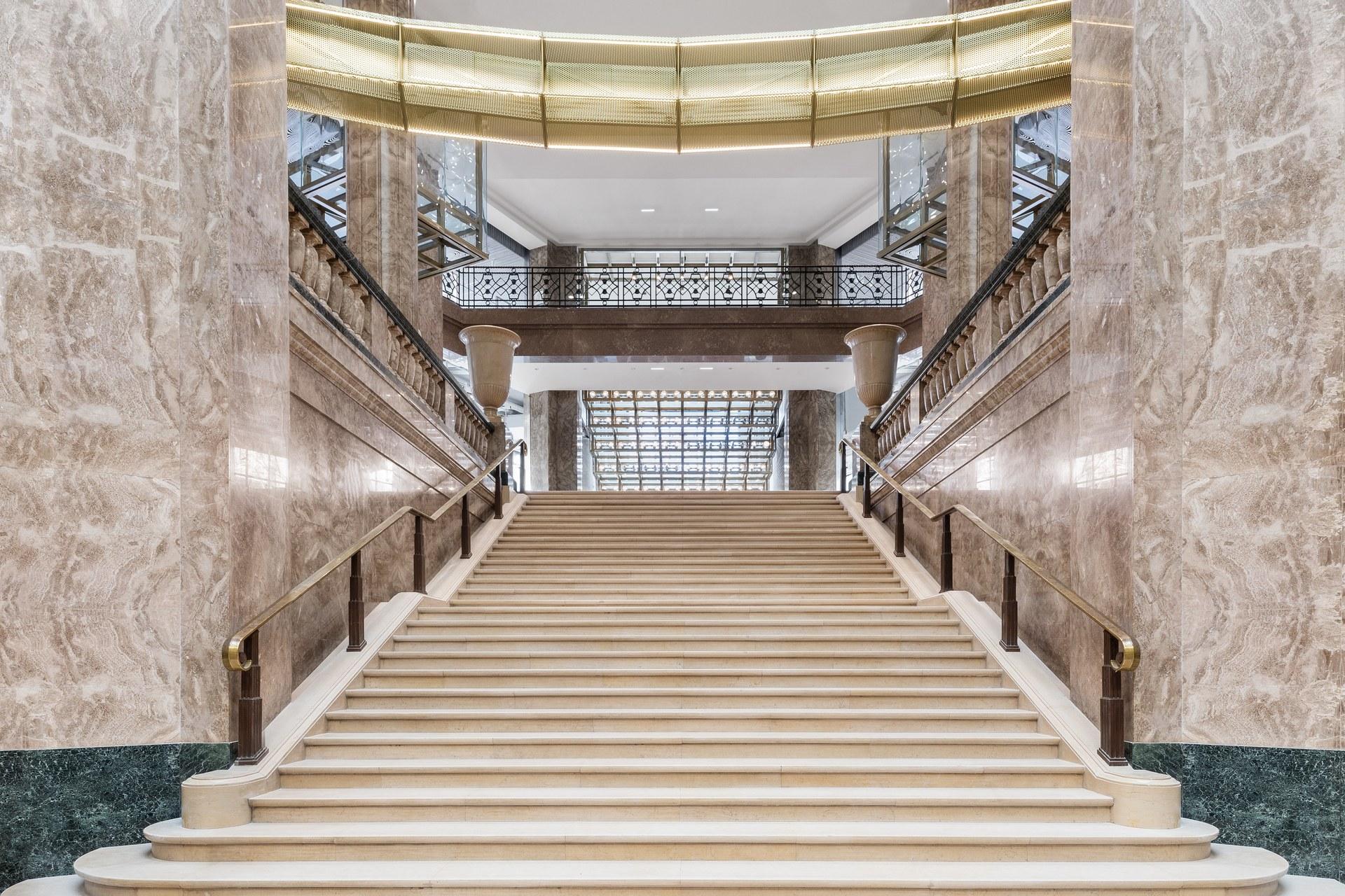 Galeries_Lafayette_Champs-Elysées_-_Esca