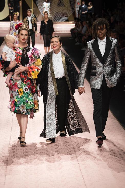 A grande família Dolce&Gabbana na passarela em Milão