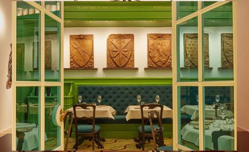 Gucci abre em Florença nova loja conceito com restaurante pilotado por Massimo Bottura