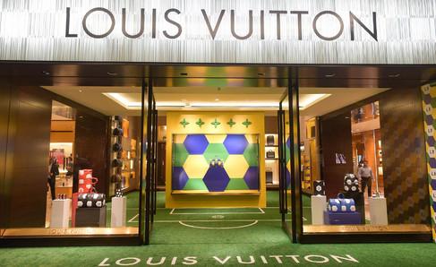 Louis Vuitton lança uma coleção de produtos oficiais inspirados na Copa do Mundo