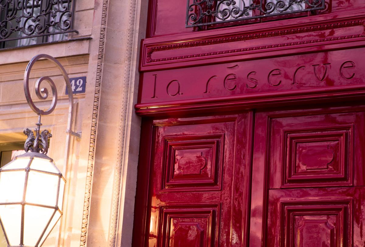 la-reserve-paris-hotel-entree