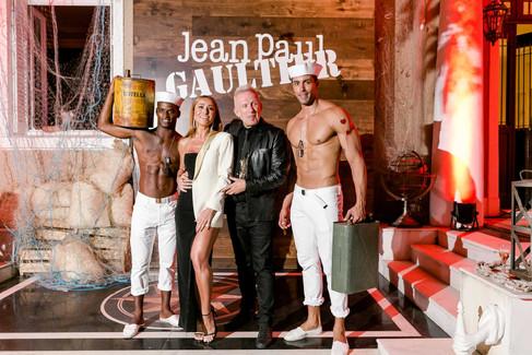 Jean Paul Gaultier divulga sua linha de perfumes com festa @Rio