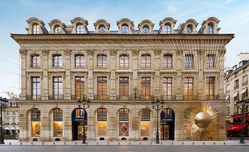 Descubra o luxo da Maison Louis Vuitton na Place Vendôme