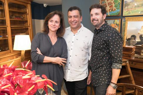Lançamento de livro agita Antiquário Arnaldo Danemberg @Rio