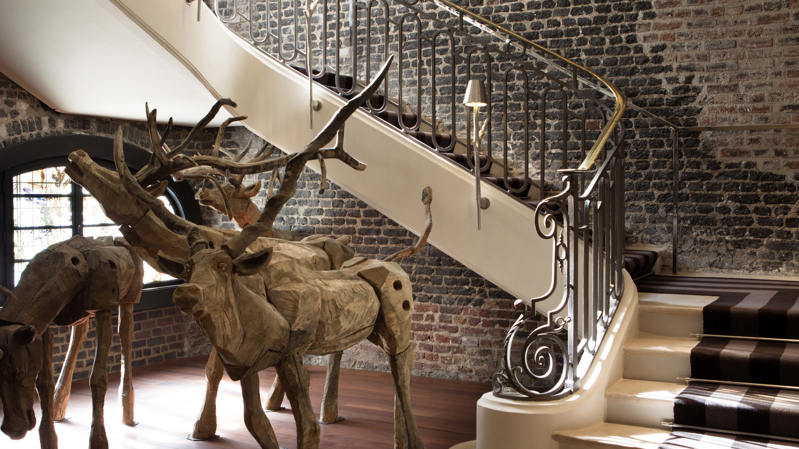 Le Royal Monceau Raffles Paris - Stairca