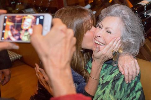 Gisella Amaral comemora aniversário com brunch no Club Hippo
