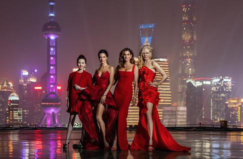 Cindy Crawford, Nicole Kidman, Alessandra Ambrosio e Liu Shishi são anfitriãs de mega evento da Omeg