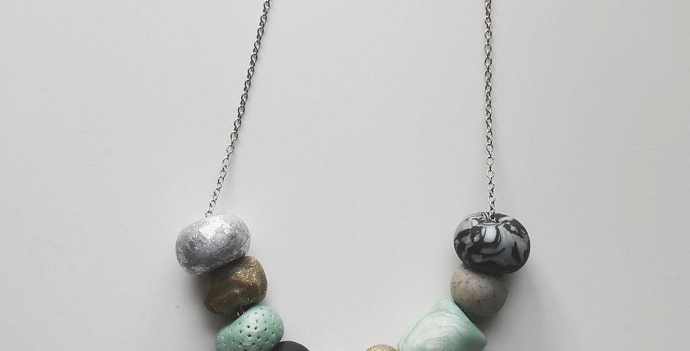Brook 9 Bead Necklace