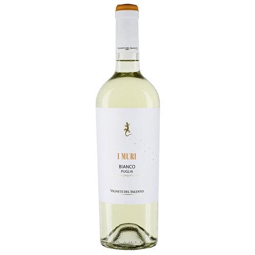 Vigneti del Salento `I Muri` Bianco, Italy - case of 6 bottles