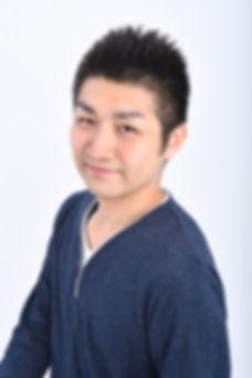 吉良賢介_上半身.jpg
