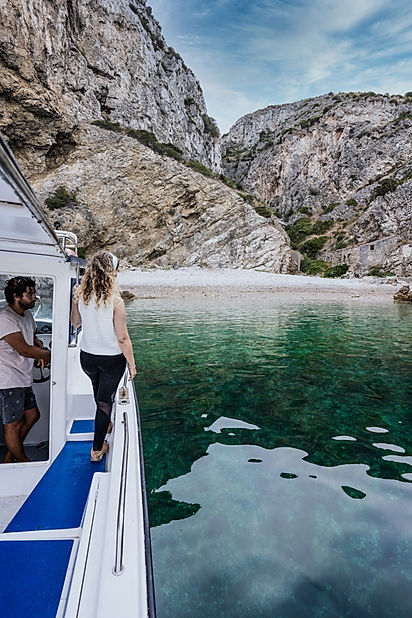 IdentityBrandStories_Boat_Tour_Meira_75R