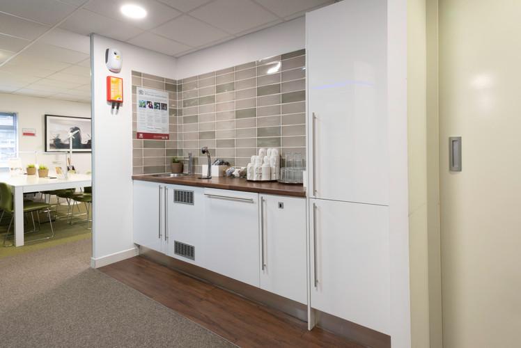 Kitchen1e.jpg