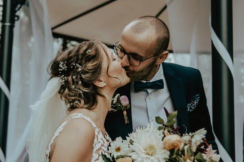 Hochzeitsfoto, Kuss