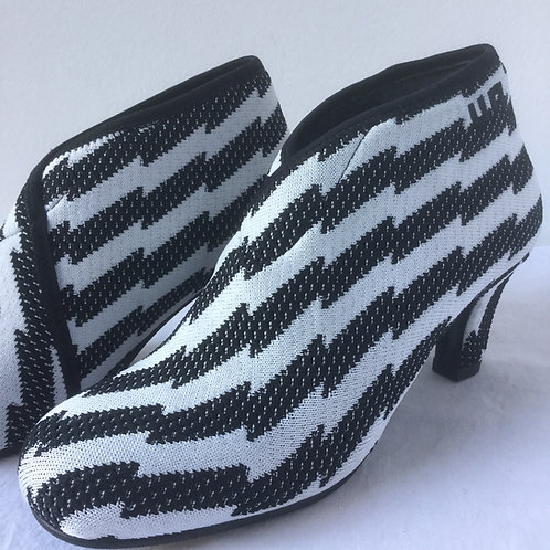 Mid Fold UN Shoes -Dessin
