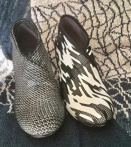 Mid Fold UN Shoes - Various colours
