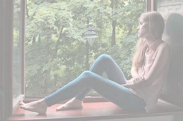 girl-4366034_640_edited.jpg