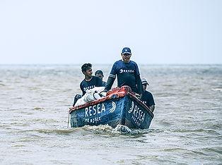 Group-of-fishermen-sailing-02-crop.jpg