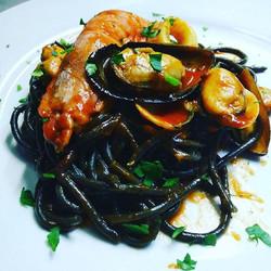 Espaguetis Nero Frutti di Mare