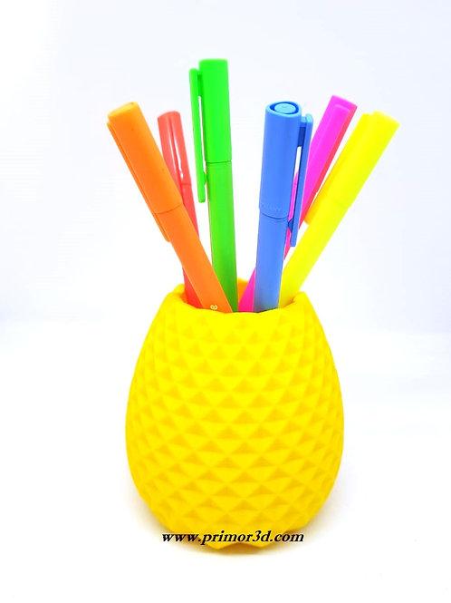Porta canetas de Abacaxi.