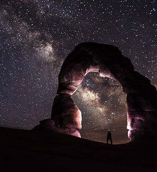 utah_delicate-arch-night-stars-landscape