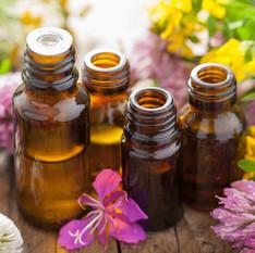 12-Top-Essential-Oils-their-uses.jpg
