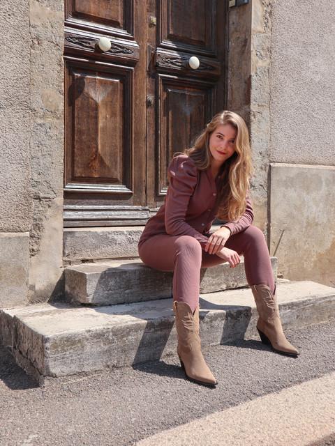 Duurzame blouse en broek bruin