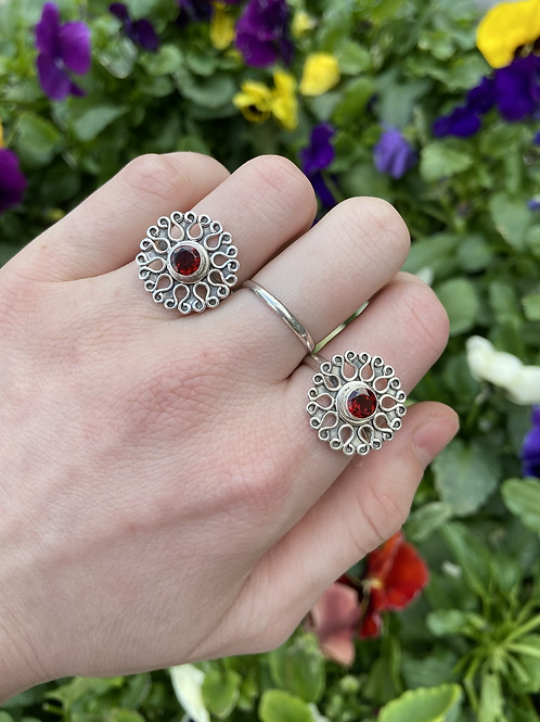 Switch and Petals Ring