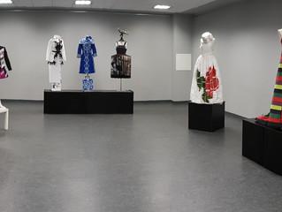 Exposición en la kultur Etxea de Sodupe de los vestidos ganadores en la edición de 2016, durante el
