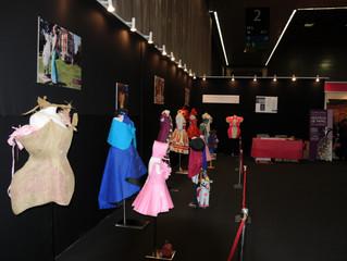 Exposición de vestidos de papel en el BEC. Un gran éxito