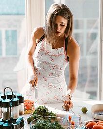 lindsay-cooking