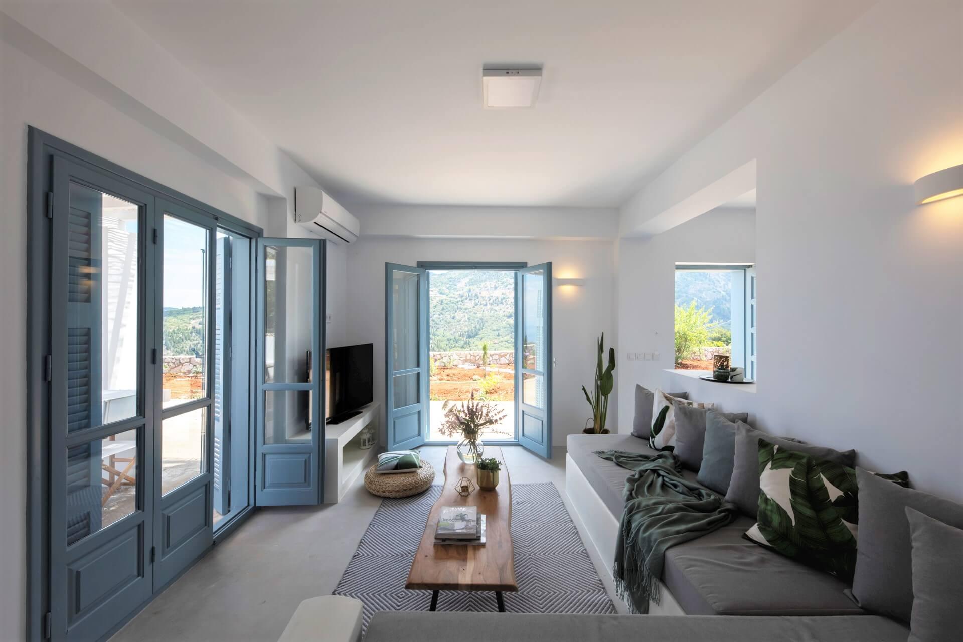 עיצוב דלתות וחלונות בית נופש ביוון סיגל