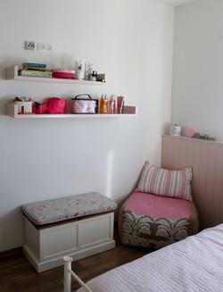 18עיצוב פינת ישיבה חדר נערה