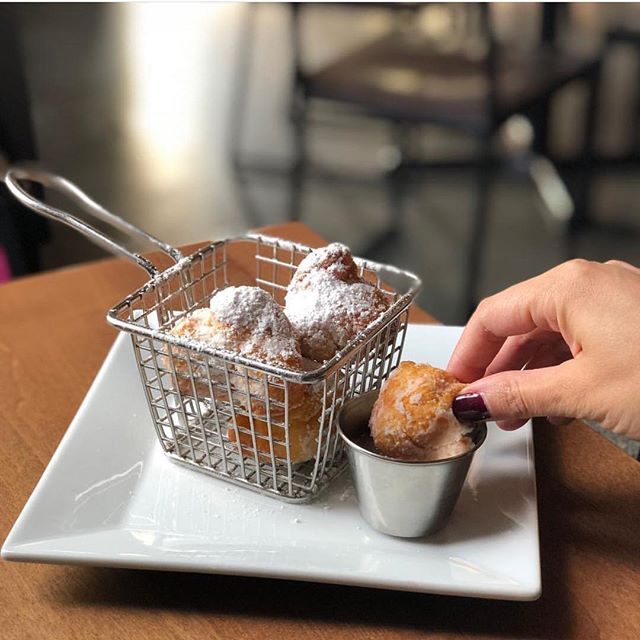 beignets, dipping sauce