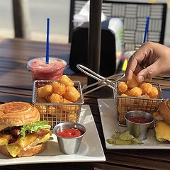 croissant, sandwich, panini, smoothie, california, southern style, tater tots, potato, fries, outdoor seating, patio, dog friendly