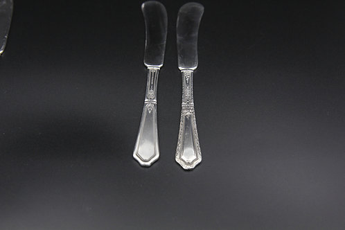 Art Nouveau Pattern Sterling c.1923 D'Orleans Butter Spreader (Set of Six)
