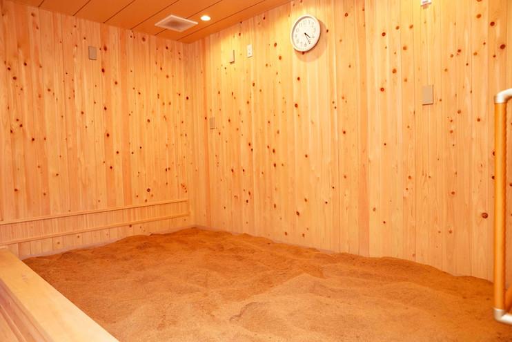 プール式の大きな浴槽