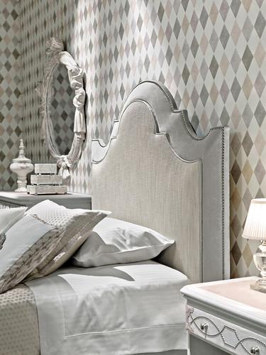 Lorenzo Bed detail