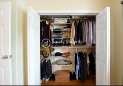 Closet after Home staging