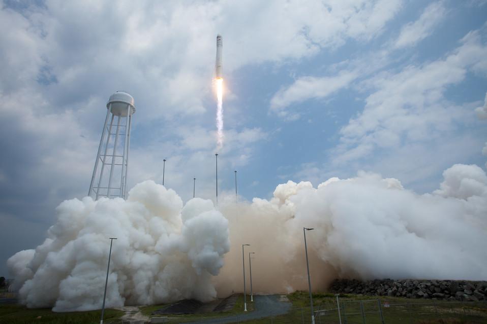 Liftoff for Cygnus!