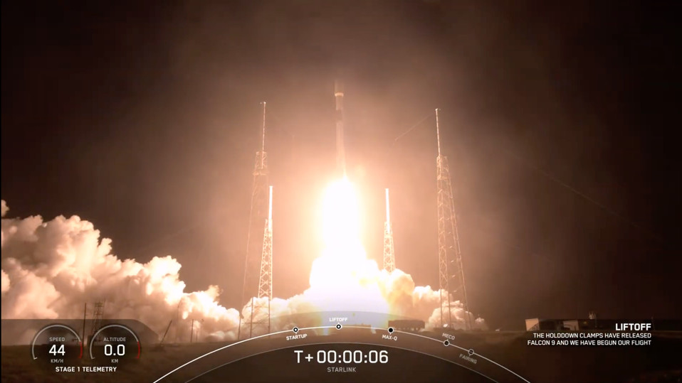 SpaceX successfully lofts 60 more Starlink satellites into orbit
