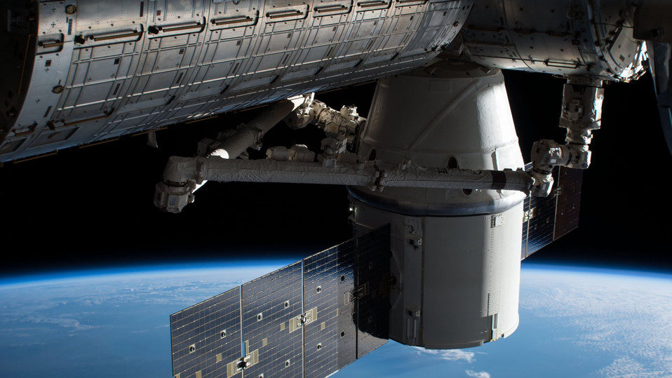 Welcome home, Dragon! SpaceX's Dragon spacecraft returns to Earth after almost a month at the IS